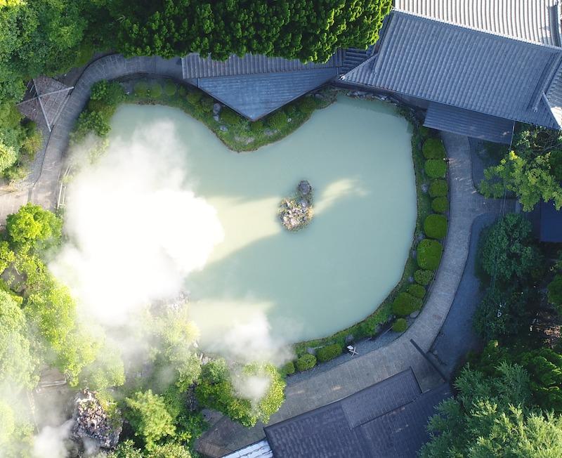 白池上空からの写真